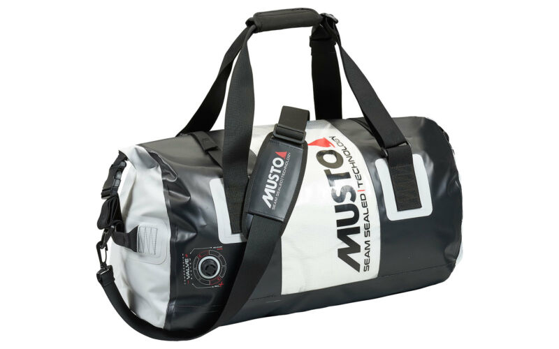 musto duffel bag